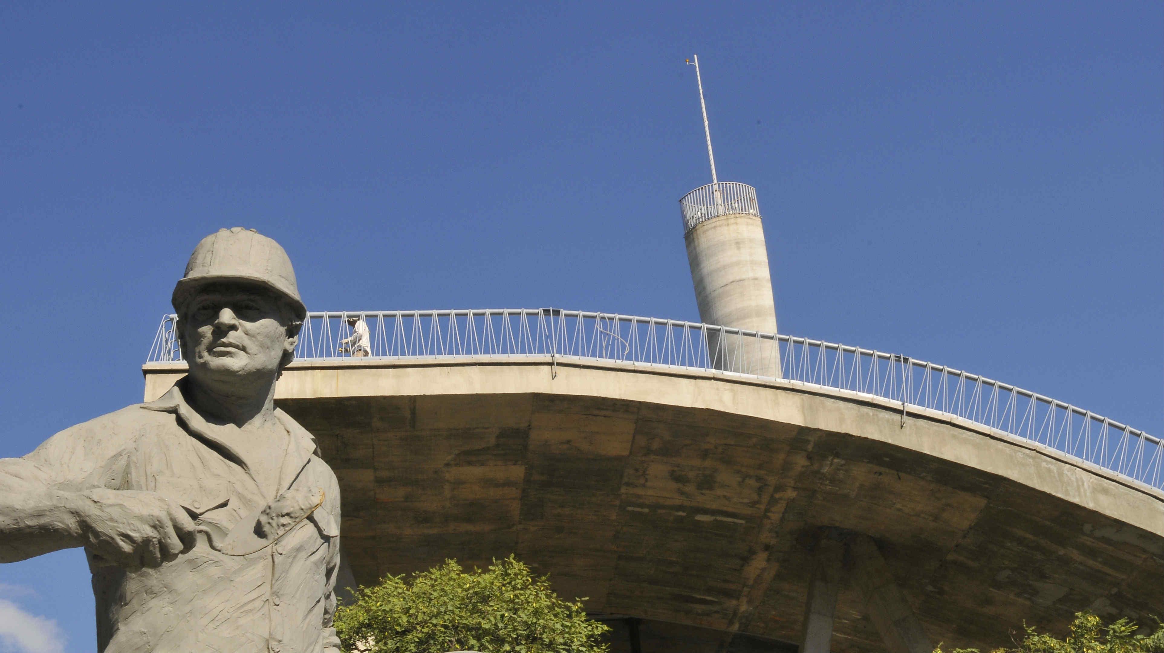 La estatua olvidada de nueva c rdoba la voz del interior for Lavoz del interior cordoba