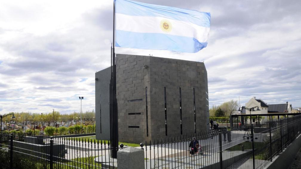Mausoleo. En el Cementerio de Río Gallegos habrá hoy un nuevo homenaje a Néstor Kirchner (DyN).