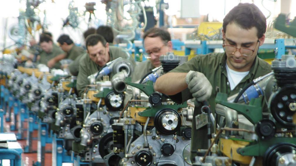 Estancamiento. Menos inversión y menos actividad económica afectaron la incorporación de operarios (La Voz / Archivo).