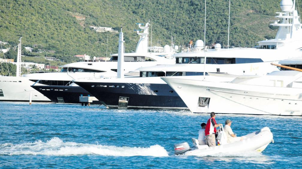 Marina de Simpson Bay, en St. Maarten, el lado holandés de la isla, donde se construirá el nuevo muelle portuario para los viajes a la vecina Anguila.