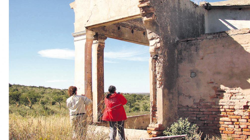 Sin techos y muros derruidos, aún refleja la importancia del pasado.