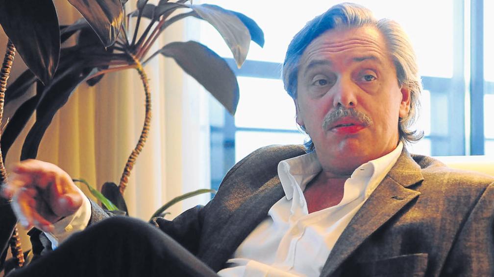 Hacia adelante. Fernández no reniega de su pasado junto a Kirchner e imagina un proyecto político propio (La Voz).