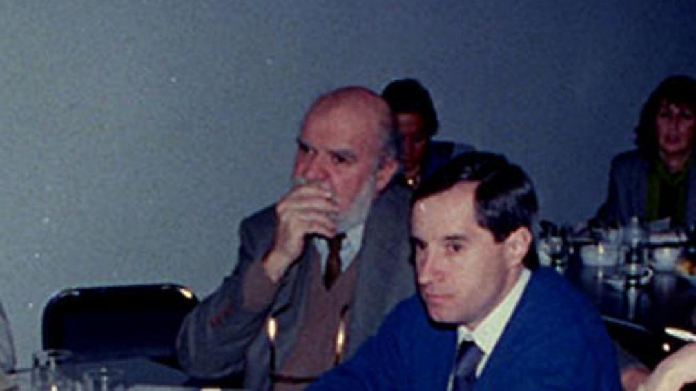 FERNANDO MICCA. Junto a su amigo Ángel Stival, en un curso de periodismo (La Voz/Archivo).