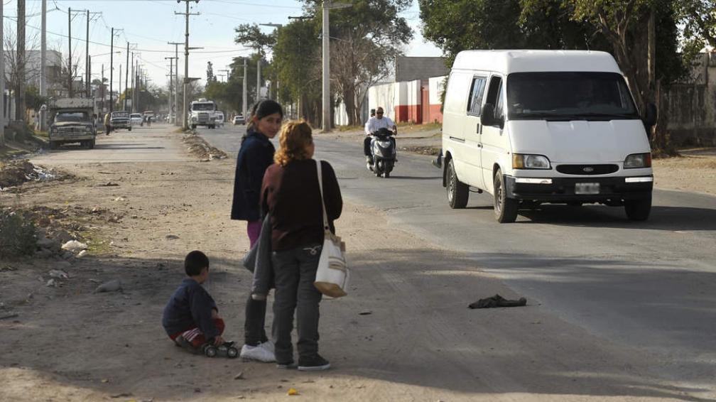 AVENIDA 11 DE SEPTIEMBRE. Está sumamente deteriorada (La Voz/Antonio Carrizo).