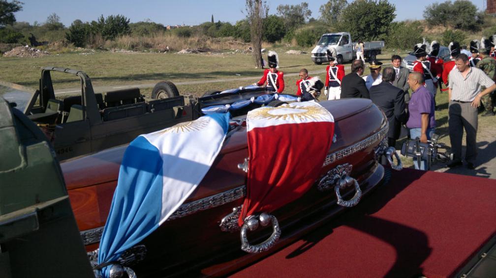 BAUTISTA BUSTOS. Los restos, camino a Córdoba (Sergio Cejas/LaVoz).