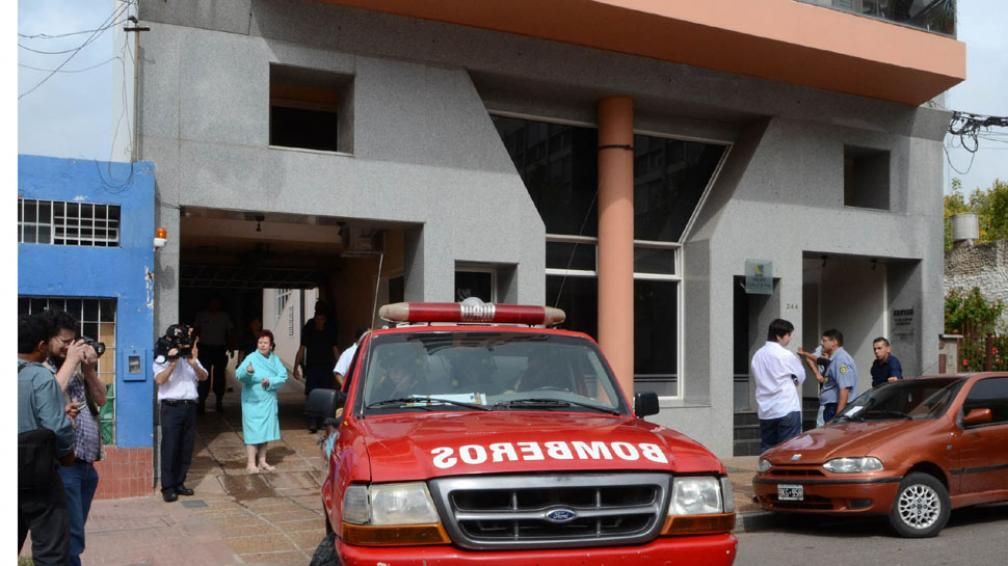 En una ambulancia fue retirado el cuerpo de Graciela Dieser (DyN).