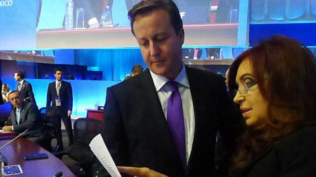 JUNTOS.  Cristina, junto a Cameron (AP).