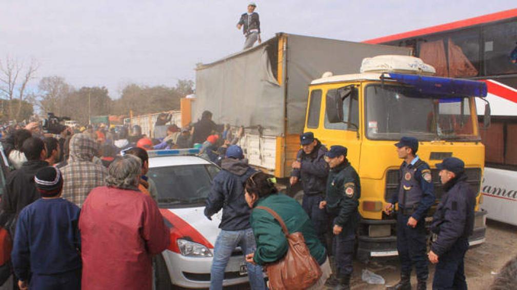 JESÚS MARÍA. Incidentes durante el procedimiento de la Aduana (La Voz).