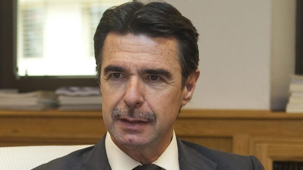 Fuerte. El ministro de Industria español, José Manuel Soria, habló en nombre de España (La Voz).