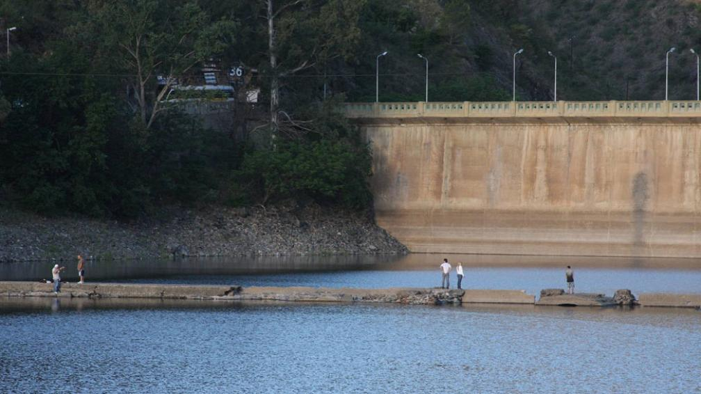 San Roque. El dique tiene 1,60 metro más de agua que hace un año (La Voz).
