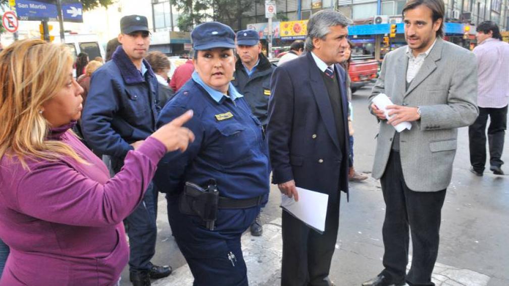 CONTROL. Los funcionarios, encabezados por Diego Mestre, continúan controlando las calles (LaVoz/Archivo).