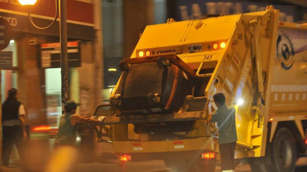 SÍ TRABAJAN. Durante el feriado la recolección de basura se hará con normalidad (LaVoz/Archivo).