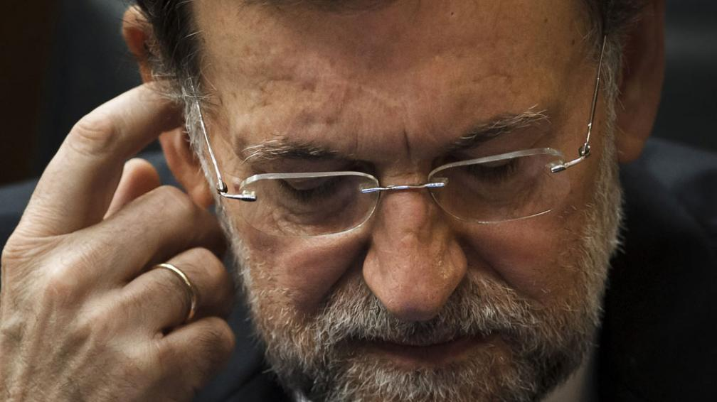 En contra. La personalidad de Rajoy tampoco juega a su favor, ya que siempre apostó por la ambigüedad y la poca exposición pública (AP).