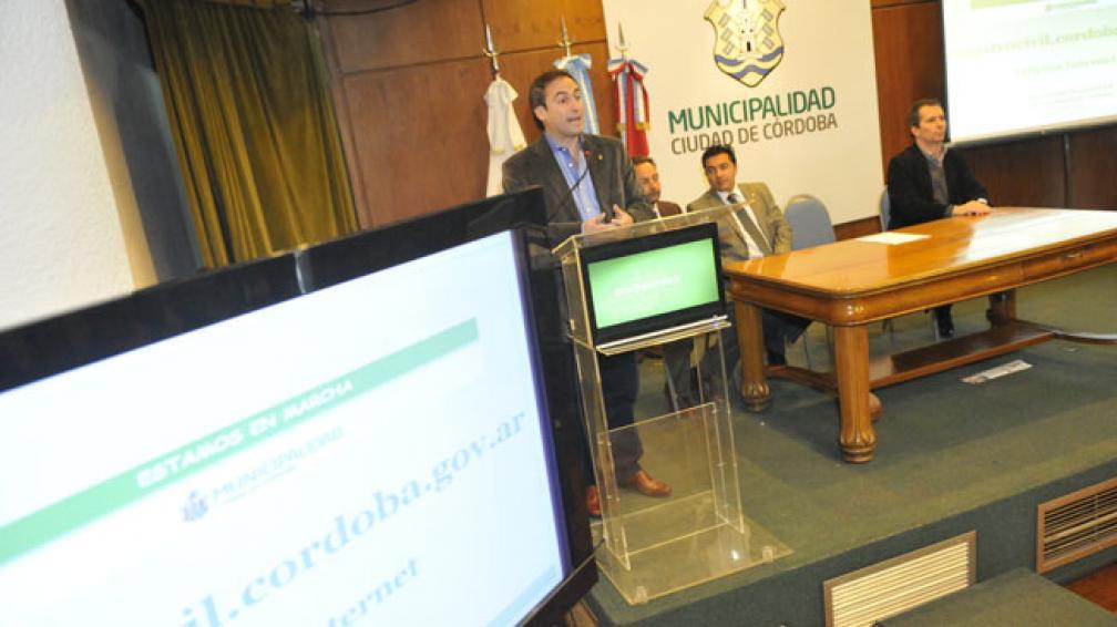 REGTRO CIVIL MUNICIPAL. La presentación del sitio en Internet (La Voz/D. Galiano).