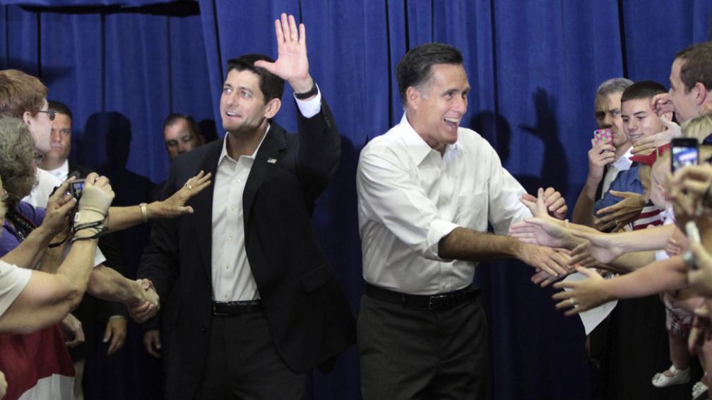 """Primera aparición. Ryan fue presentado en sociedad por Romney, quien prometió soluciones económicas """"audaces, específicas y asequibles"""" (AP)."""