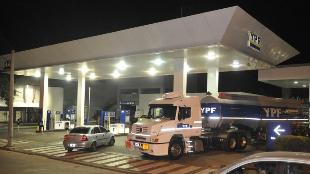 YPF. Las¡ ganancia neta de la empresa cayó 18,9% en comparación a igual trimestre del año anterior (La Voz / Archivo).