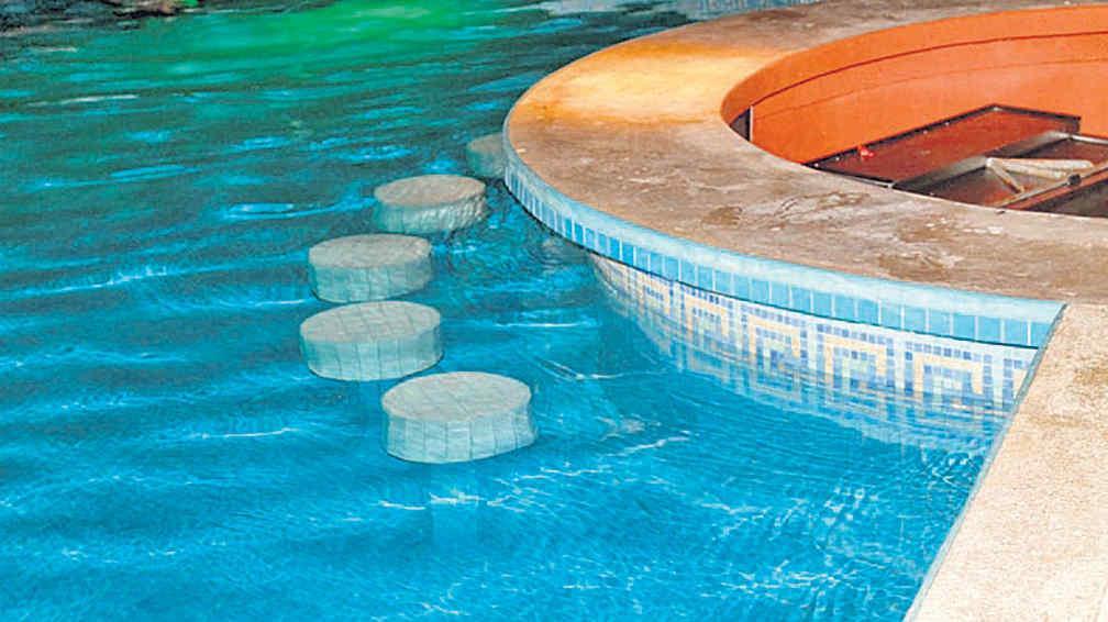 Piscinas de hormig n un producto para siempre la voz for Productos para piscinas