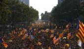 DIADA. Semanas atrás los catalanes salieron a las calles para pedir el referendo (AP/Archivo).