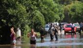LUJÁN. El río creció 5 metros y provocó inundaciones. Hay un nene perdido (DyN).