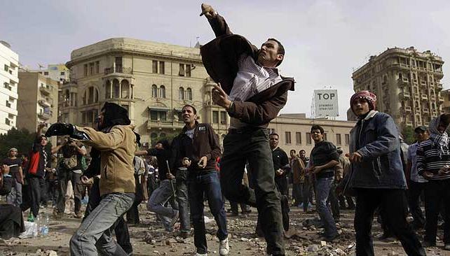 PLAZA TAHRIR. Sigue la tensión (AP).