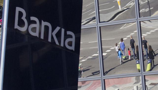 En la mira. La solvencia de Bankia, con activos por 340 mil millones de euros, era cuestionada (AP).