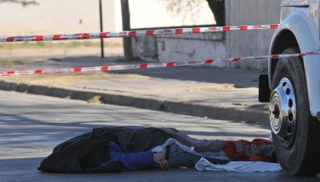 Uno de los delincuentes asesinó a sangre fría a Omar López para robarle apenas 90 pesos (Darío Galiano / Archivo).