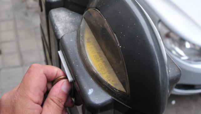 Obsoletos. En Córdoba hay 1.800 parquímetros y 65 tickeadoras para el pago del estacionamiento  (José Gabriel Hernández/LaVoz).