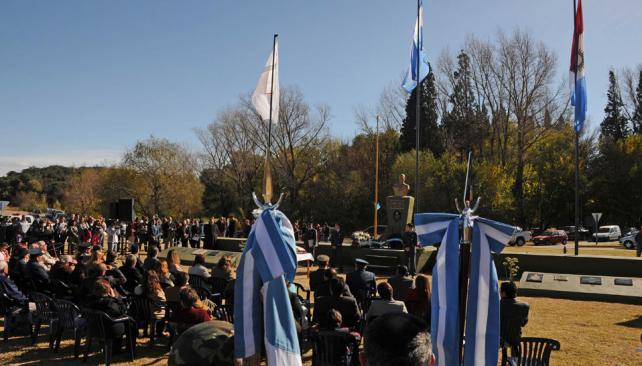 COSQUIN. La inauguración de la plaza Héroes de Malvinas (La Voz).