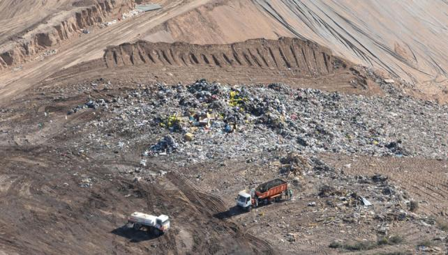 Provisorio, hasta que se llene. El predio de la ruta 36 sólo tiene capacidad para enterrar la basura durante un año más.