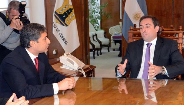 FIRMA. Con la firma de Mestre, la Municipalidad hoy formalizó su integración al Repat (Gentileza Municipalidad).