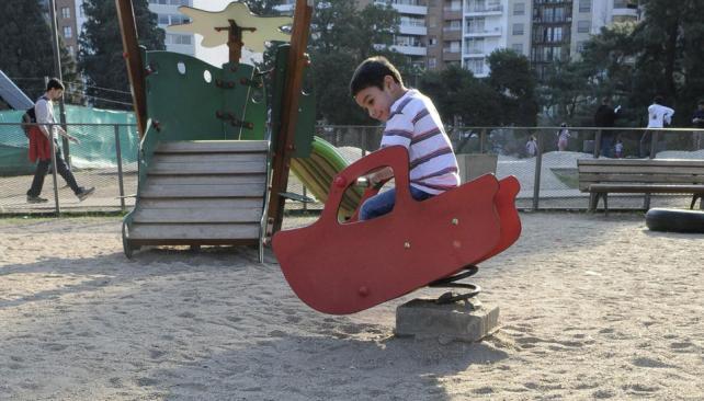 Una mecedora menos. En este lugar había una ballena con resortes (La Voz / Facundo Luque).