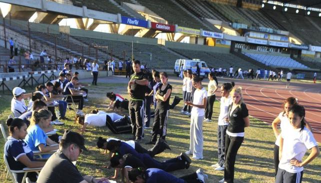 Para ser policía hay que sortear exigentes exámenes físicos (Archivo).