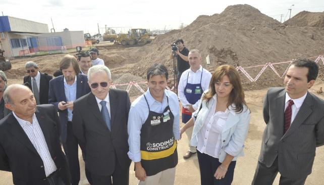 Todos. Martí; Paglia; el N° 1 de Sodimac, Pablo Ardanaz; la vicegobernadora Pregno y Marcelo Cossar (Antonio Carrizo/LaVoz).