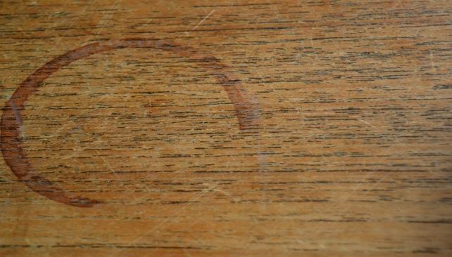 C mo eliminar las manchas del piso la voz del interior - Como quitar el sarro del piso ceramico ...