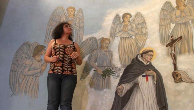 Mammana recupera las imágenes de 12 ángeles que quedaron ocultas tras varias capas de pintura (La Voz).