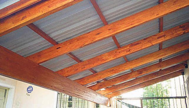 Un nuevo ambiente la voz del interior for Modelos de techos de madera y chapa