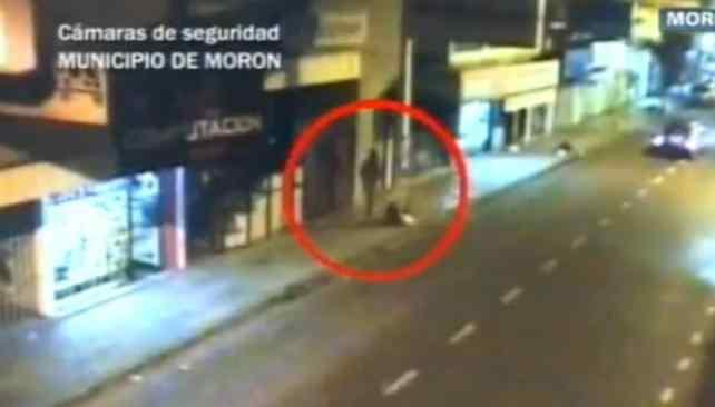 VIDEO. Las imágenes filmadas por una cámara del municipio de Morón (Captura video)
