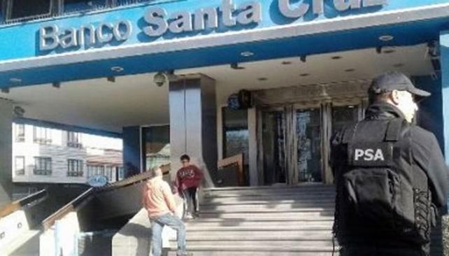 Piden indagar a Cristina Kirchner por operaciones por 500 millones de dólares