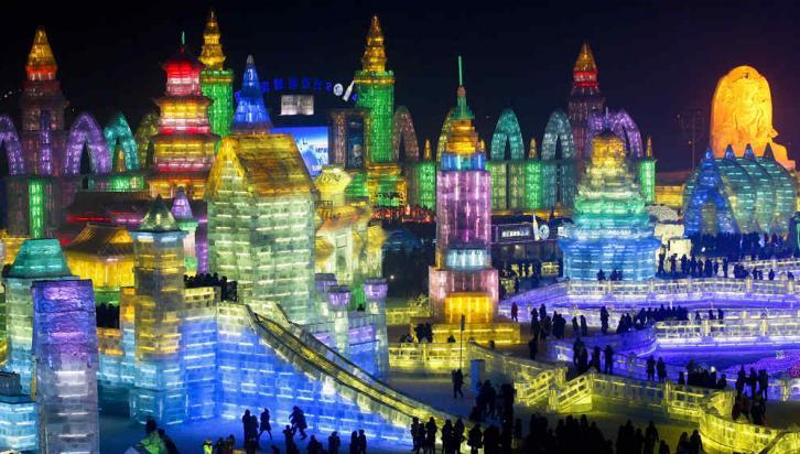 CHINA. Espectacular imagen del festival de Harbin de 2014 (AP).