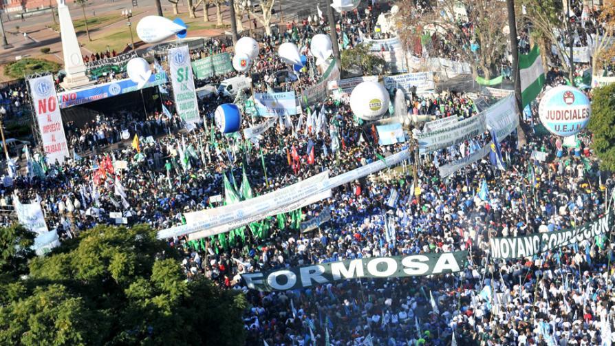 PARO. Camioneros marcharon a Plaza de Mayo.