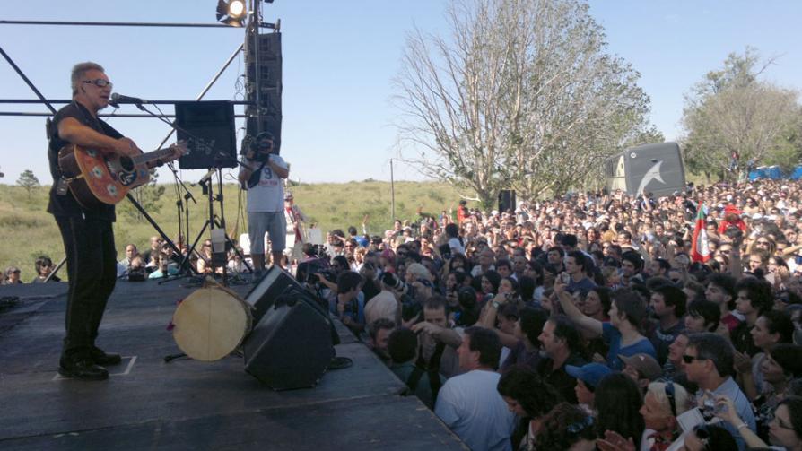 LEÓN GIECO. Durante el show de esta tarde (Martín Santander/La Voz).
