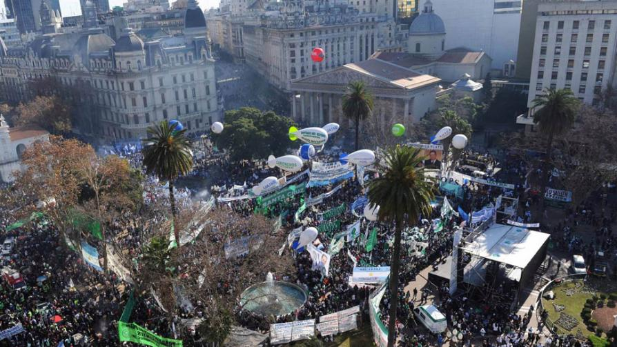 PARO. Diferentes gremios marcharon a Plaza de Mayo (Agencia DyN).