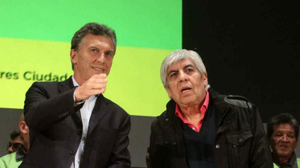 Macri almorzó con Moyano y hubo gestos amistosos en Olivos.