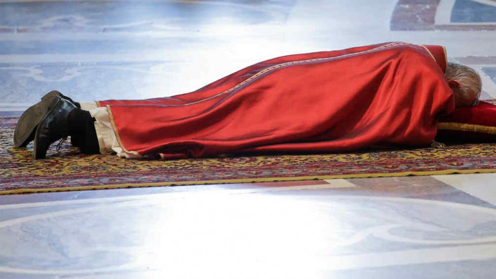 Francisco celebra la Pasión de Cristo en el Vaticano